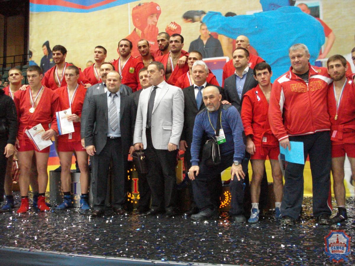 Девять медалей завоевали москвичи начемпионате России побоевому самбо вКрасноярске!