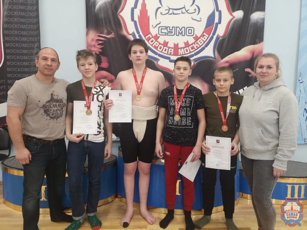 Московские самбисты завоевали 8 золотых медалей на Первенстве Москвы по сумо
