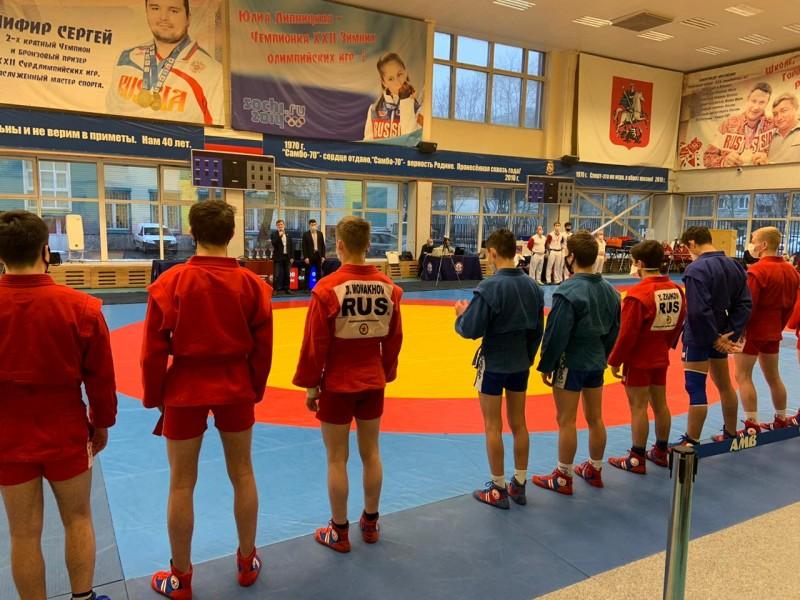 Первенство Москвы по самбо среди юниоров и юниорок 19-20 лет прошло в «Самбо-70»