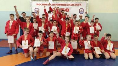 Первый турнир поборьбе самбо врамках Московской юношеской лиги прошел вМГФСО