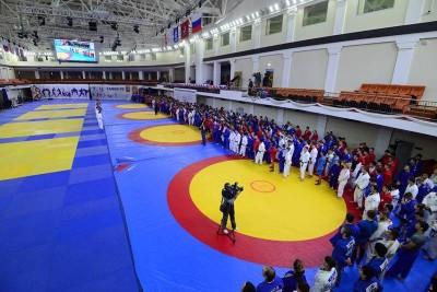 Московский спортивный фестиваль «Начни год ссамбо» прошел в«Самбо-70»